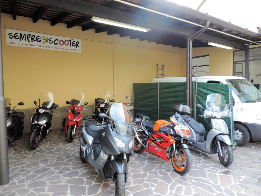 Sempre In Scooter Milano Meccanica accessori moto scooter assistenza domicilio
